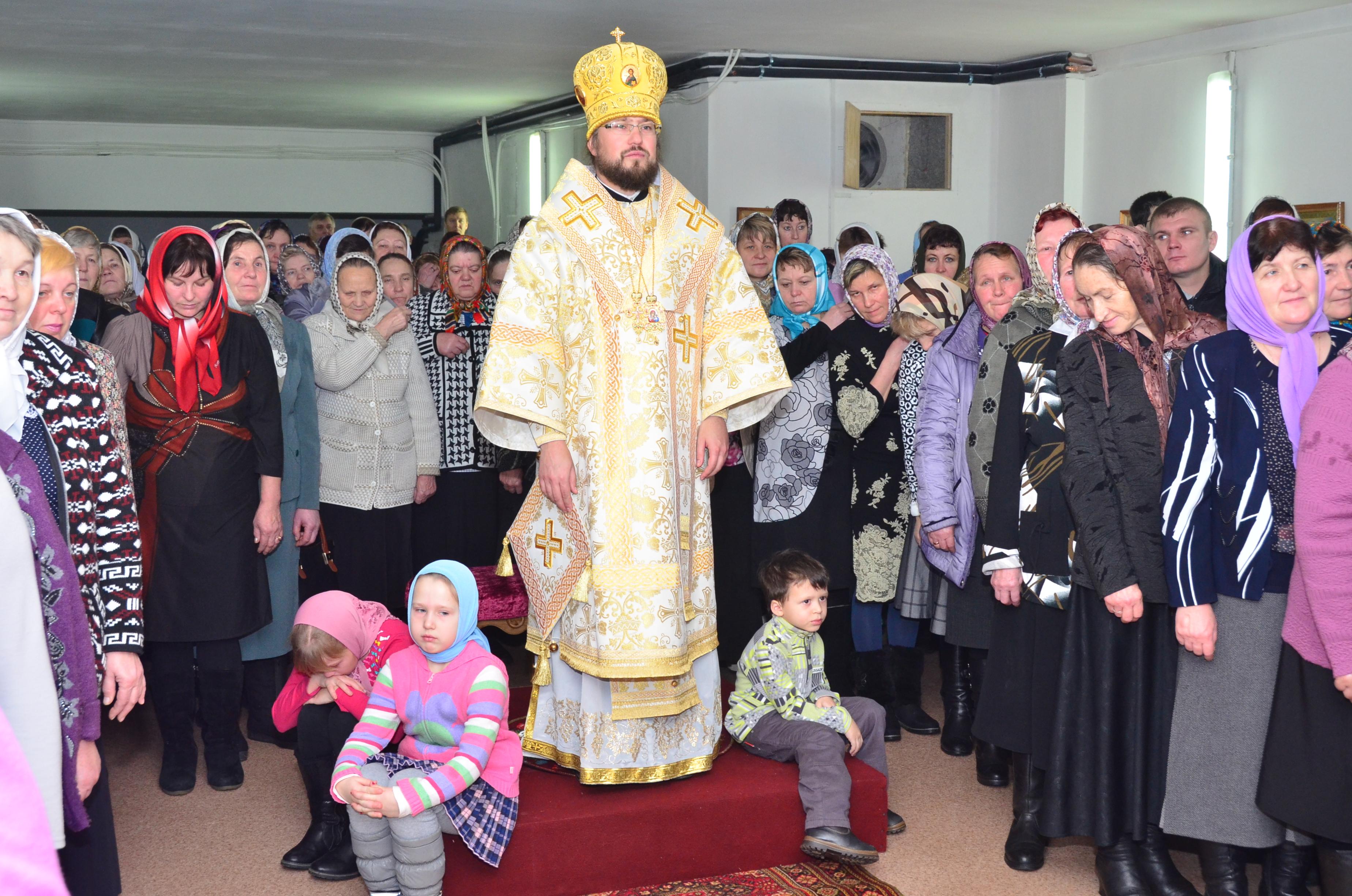 Первая литургия в цоколе в Престольный праздник 13.12.2013 г.